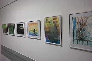 Gemälde in der Ausstellung