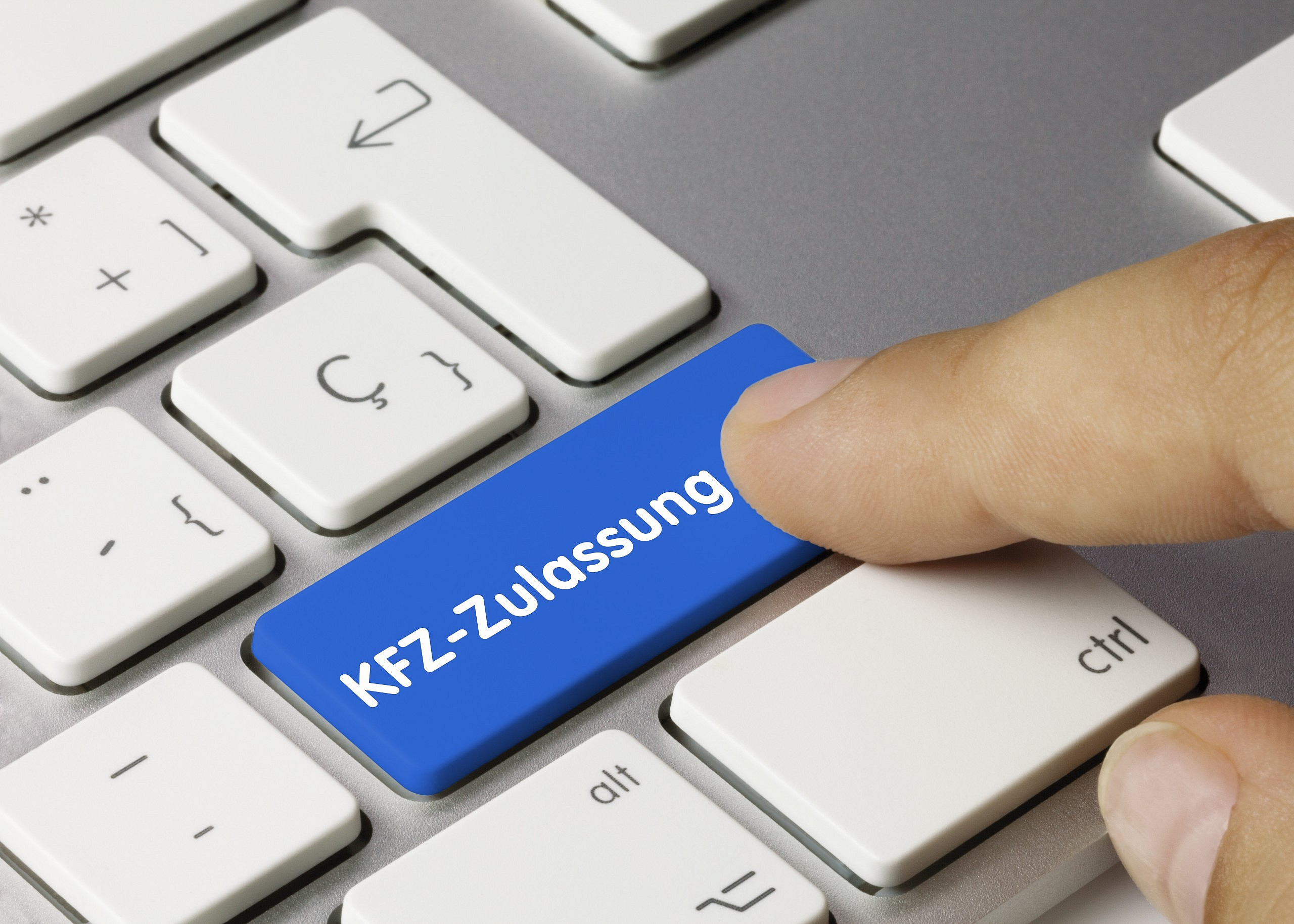 Tastatur mit der Aufschrift KFZ-Zulassung