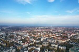 Blick auf Leipzig, aufgenommen von einer Drohne